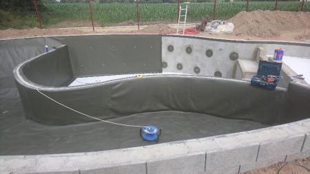 Votre paysagiste basé proche de Rennes créé une piscine naturelle à Allaire