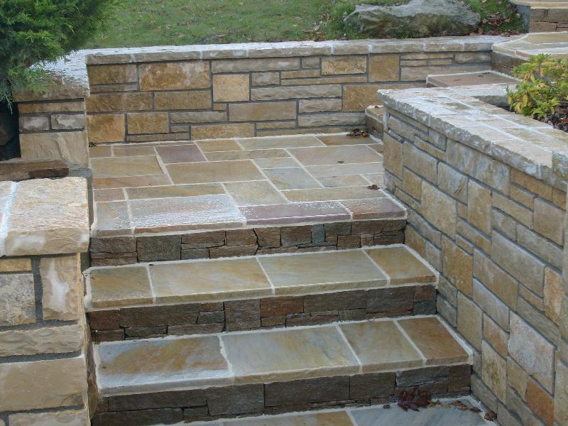 Escalier en pierre romill artisan paysagiste rennes bretagne - Bloc marche leroy merlin ...