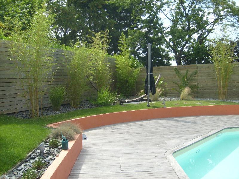 Terrasse en bois cesson s vign artisan paysagiste for Cesson sevigne piscine