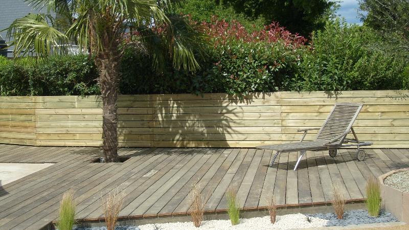 Terrasse en bois  Vignoc  artisan paysagiste à Rennes  Bretagne