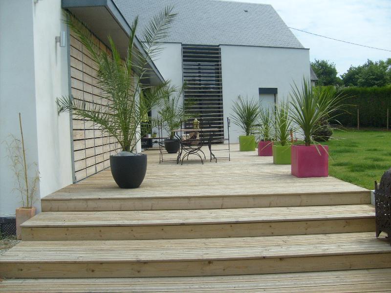 Terrasse en bois  Cesson Sévigné  artisan paysagiste à Rennes