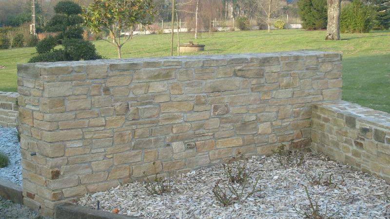 travail de la pierre mur ma onn en pierre romill artisan paysagiste rennes bretagne. Black Bedroom Furniture Sets. Home Design Ideas