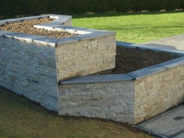 Jardinière en pierre - Orgéres