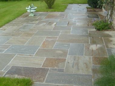 Création terrasse pierre Miniac sous Bécherel