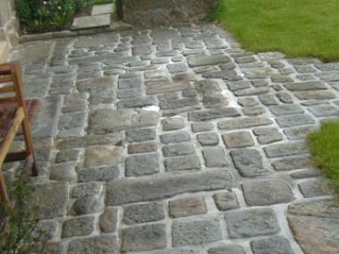 Création allée en pierre Miniac sous Bécherel