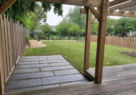 Terrasse en palis d'ardoise et bois - Miniac Sous Bécherel