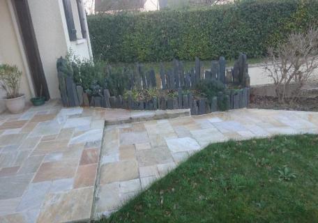 Création jardinière - Piquets Schiste noir