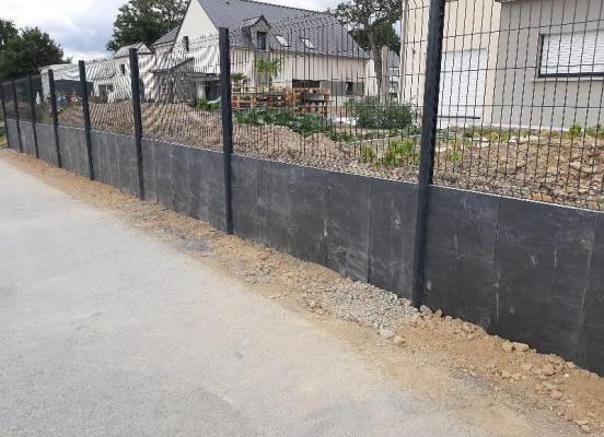 Aménagement paysager avec palis ardoise noire  Rennes