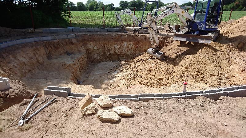 Construction d 39 une piscine naturelle bionova par votre for Construction piscine rennes